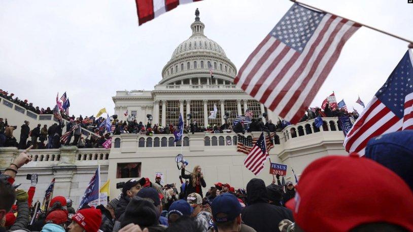 Donald Trump destekçileri Kongre Binası'nı işgal etti: 4 kişi hayatını kaybetti