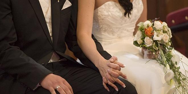 Düğünden sonra rahatsızlanan gelinin koronavirüs testi pozitif çıktı