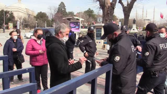 Edirne'de caddelere girişte HES kodu uygulaması başlatıldı