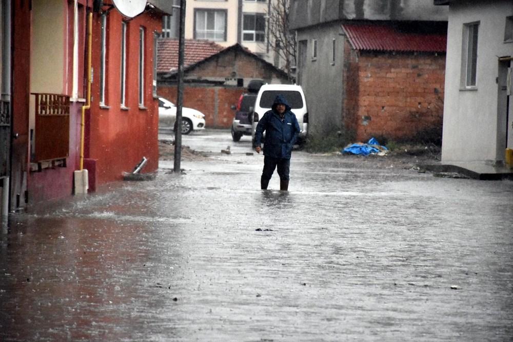 Edirne'de sağanak: Cadde ve sokaklar göle döndü