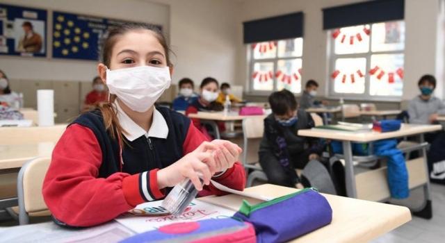 Eğitim Sen: Okullar çöp içinde, yüzde 90'ınında temizlik personeli yok