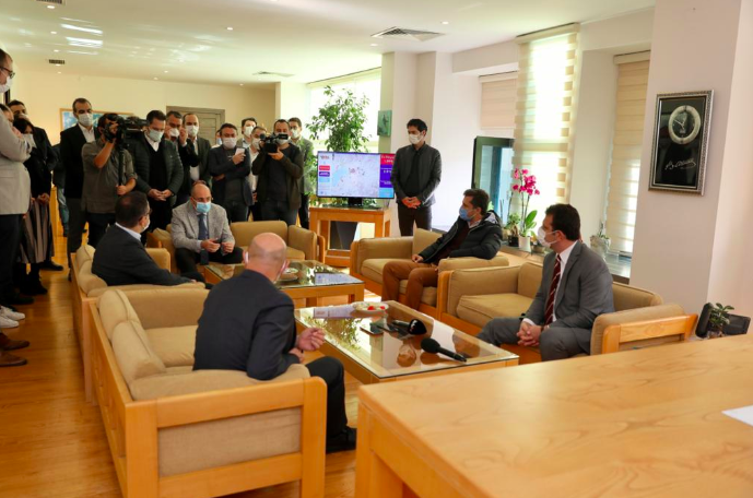 Ekrem İmamoğlu, Tunç Soyer'i ziyaret etti: 'Deprem, Türkiye'nin bağımsızlık sorunudur'