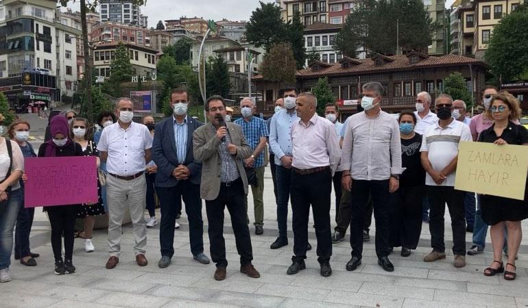 Elektrik zammına tepki gösteren CHP İl Başkanlığı'nın elektriği kesildi