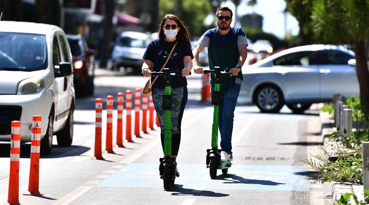 Elektrikli scooter düzenlemesi yolda