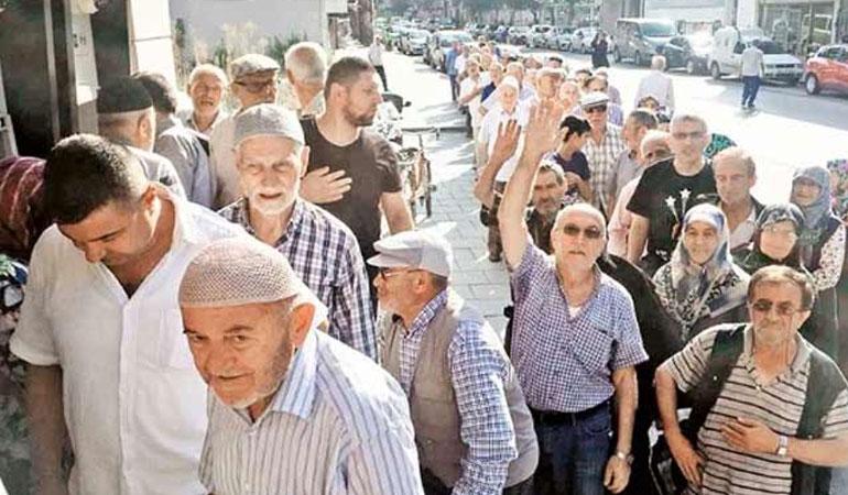 Emeklilerin yüzde 70'i asgari ücretin altında maaş alıyor