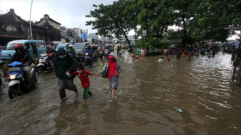 Endonezya'da sel felaketi: 55 kişi hayatını kaybetti