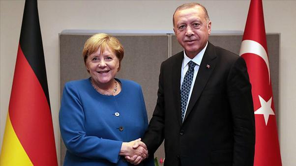 Erdoğan ile Almanya Başbakanı Merkel Libya'yı görüştü