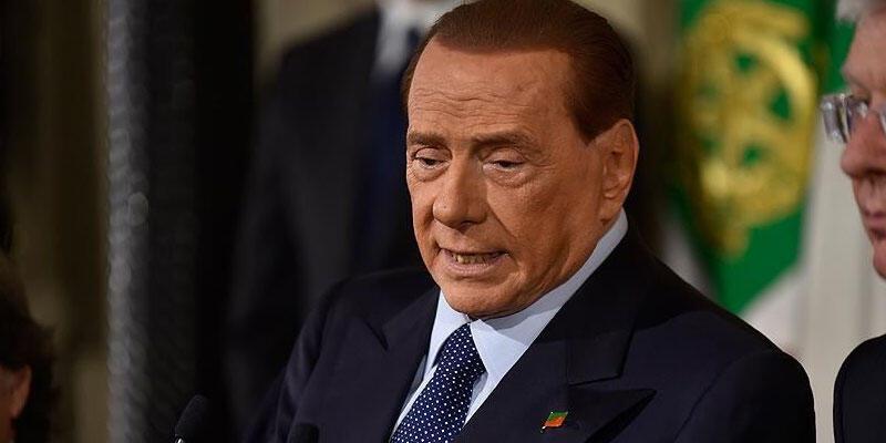 Eski İtalya Başbakanı Berlusconi koronavirüse yakalandı