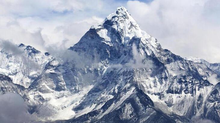 Everest Dağı'nın 73 santim daha uzun olduğu belirlendi