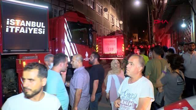Fatih'te 4 katlı binada yangın: Çok sayıda kişi etkilendi