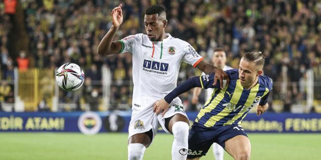 Fenerbahçe, Alanyaspor'a uzatmalarda kaybetti