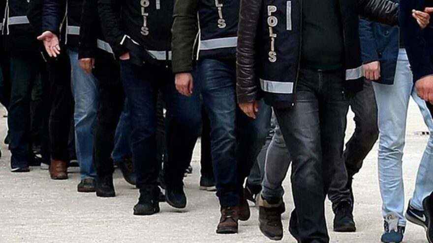 FETÖ'nün askeri yapılanmasına 12 ilde operasyon: 32 gözaltı