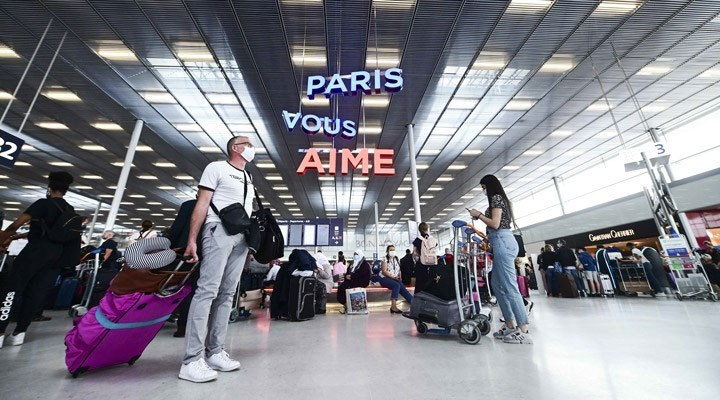 Fransa 7 ülke için seyahat kısıtlamasını kaldırdı