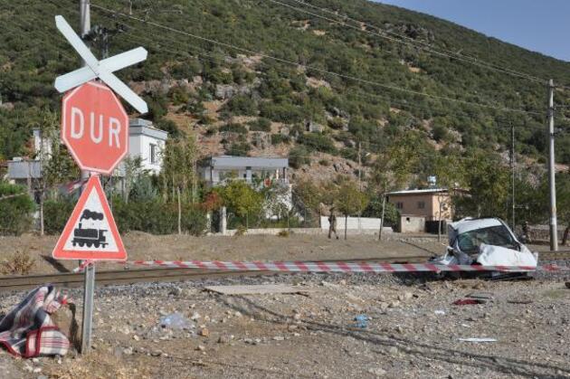 Gaziantep'te tren araca çarptı: 1'i çocuk 2 kişi öldü, 1 çocuk yaralandı