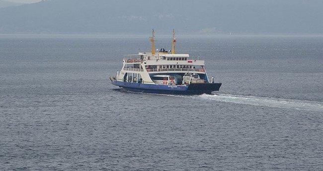 Gökçeada ve Bozcaada'ya feribot seferlerine fırtına engeli