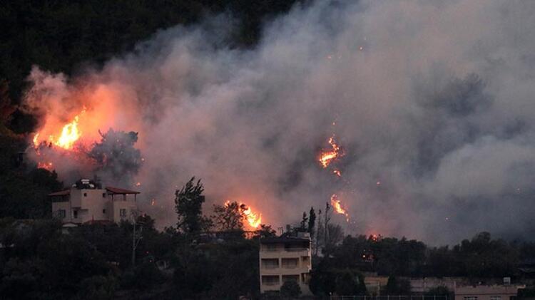 Hatay'daki yangına karadan müdahale sürüyor