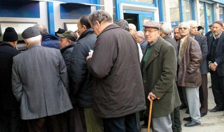Her 100 emekliden 28'i işsiz bırakıldı