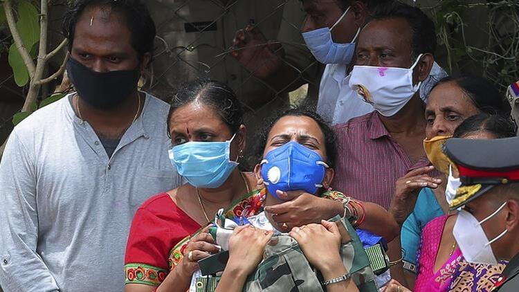 Hindistan'da Kovid-19 kaynaklı can kaybı 100 bini geçti