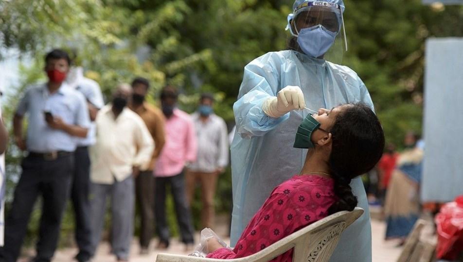 Hindistan'dan yeni rekor : Günlük vaka sayısı 415 bine yaklaştı