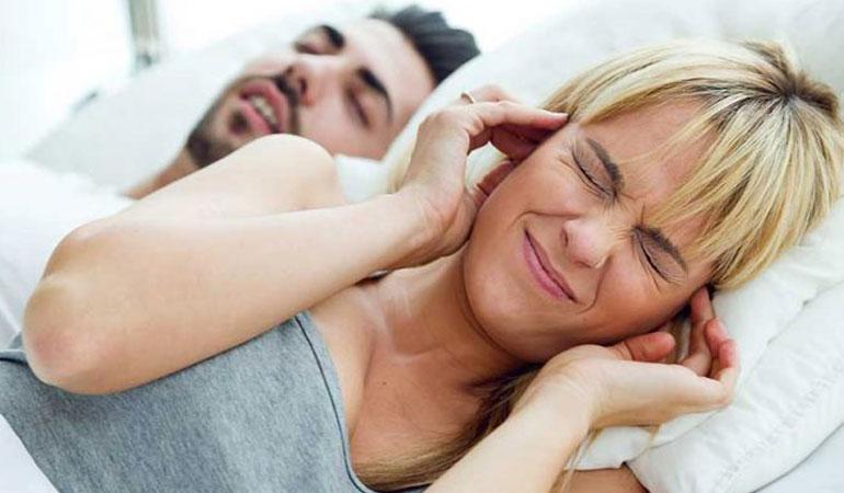 """""""Horlama sebebiniz tıkayıcı Uyku Apnesi olabilir"""""""