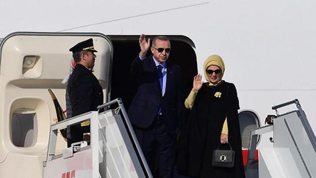Hürriyet yazarı Fırat: Emine Erdoğan, orijinal markalar yerine imitasyon çanta kullanıyor