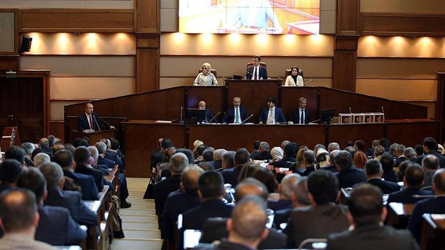 İBB Meclisi oturumları salgın nedeniyle ertelendi