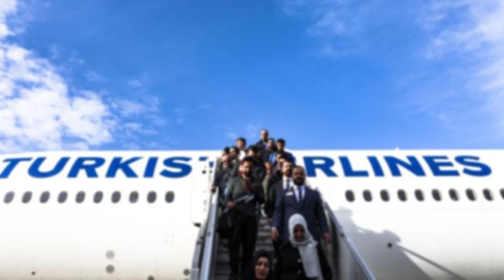 İngiltere'den İzmir'e gelen 60 kişi karantinaya alındı