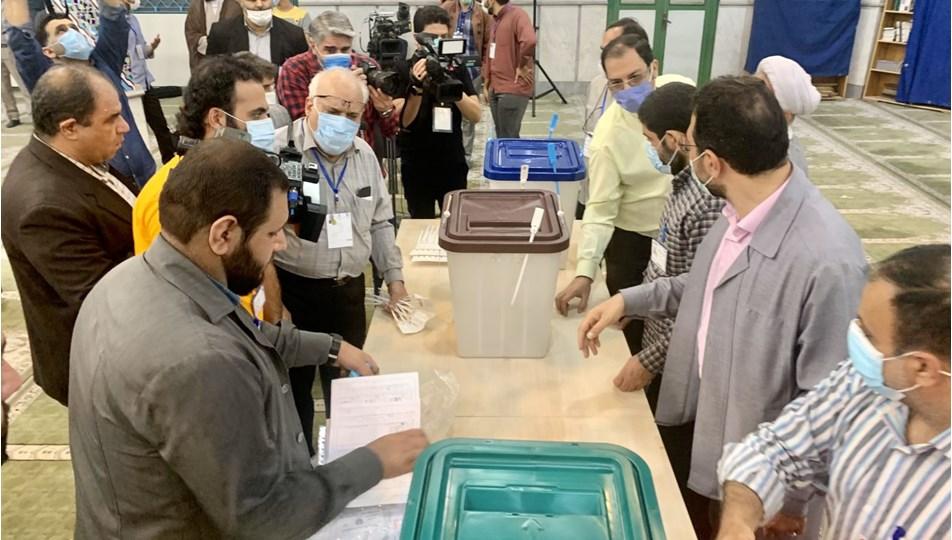 İran'da Cumhurbaşkanlığı Seçimleri için oy verme işlemi başladı