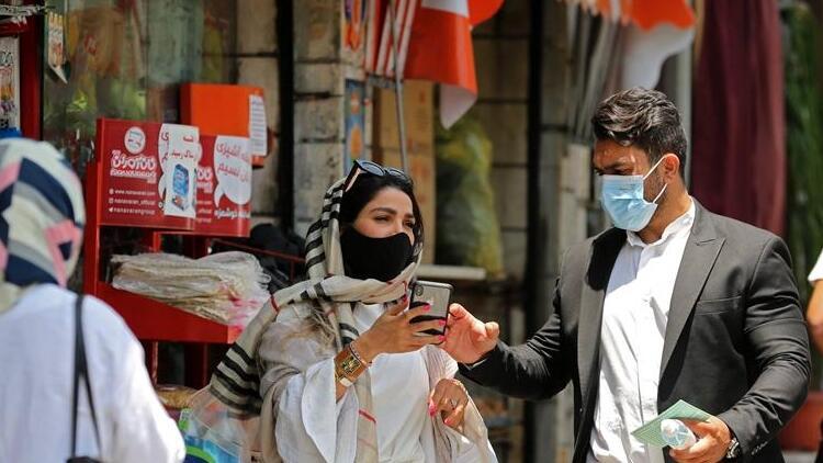 İran'da son 24 saatte koronavirüs kaynaklı 153 ölüm