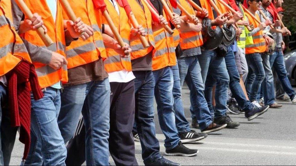 İşçiler 81 ilde 'kıdem tazminatının kaldırılmasına karşıyız' demek için bir araya geliyor