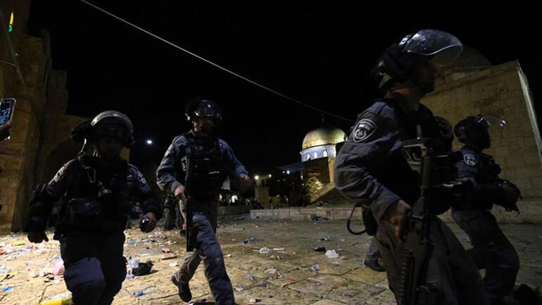 İsrail'den Mescid-i Aksa'da Filistinlilere saldırı