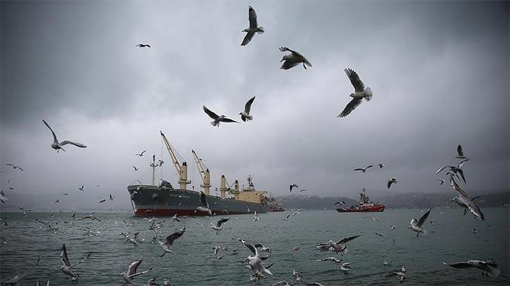İstanbul Boğazı'nda gemi geçişleri askıya alındı