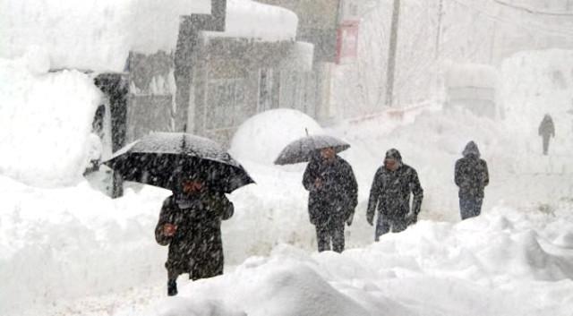 İstanbul'da kar yağışı sabah saatlerinden itibaren etkili olmaya başladı