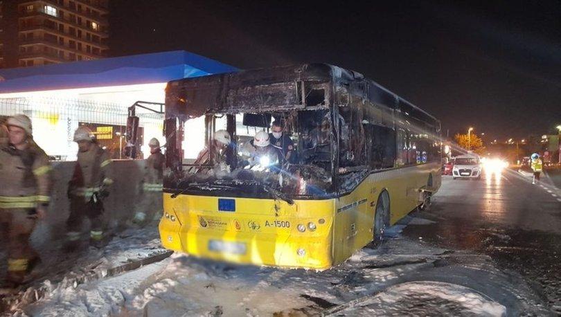 İstanbul'da park halindeki İETT otobüsü yandı