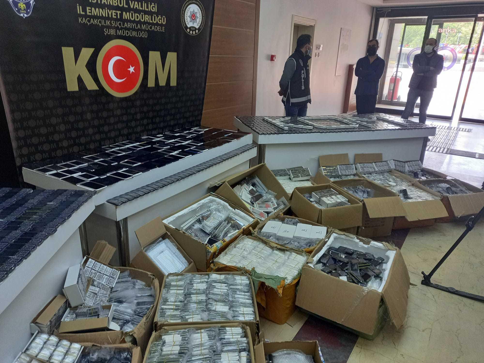 İstanbul'dan 10 bin 634 kaçak cep telefon ele geçirildi