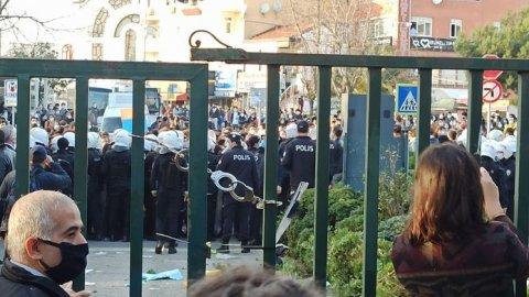İstanbul Valiliği'nden Boğaziçi Üniversitesi'ndeki protestolarına ilişkin açıklama