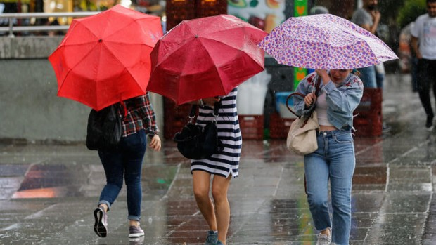 İstanbul Valiliği'nden şiddetli yağış uyarısı: Sarı alarm verildi