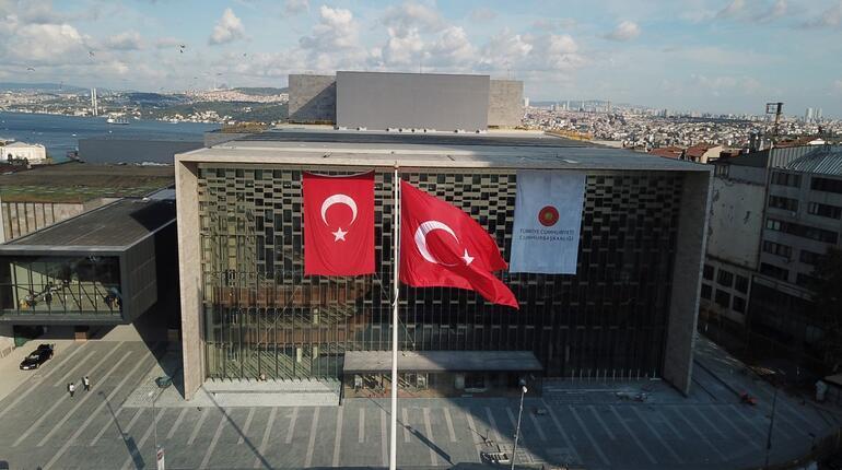İstanbul Valisi, AKM'nin açılacağı tarihi açıkladı