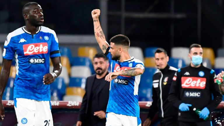 İtalya Kupası'nda İnter'i eleyen Napoli finalde