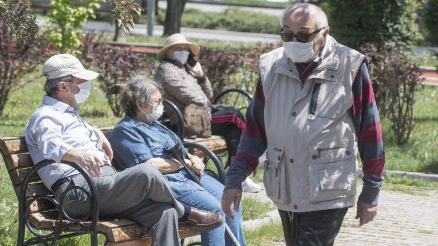 İzmir'de 65 yaş ve üstü vatandaşlara sokağa çıkma kısıtlaması
