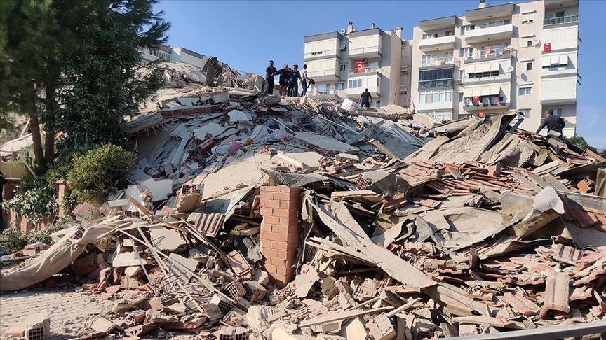 İzmir'de hayatını kaybedenlerin sayısı 91'e yükseldi