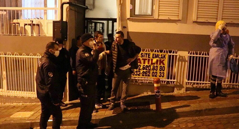 İzmir'de hırsız, girdiği evin sahibini bıçakladı