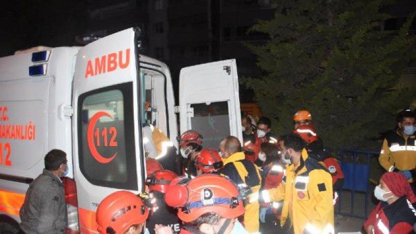 İzmir'deki depremde 25 kişi hayatını kaybetti, yaralı sayısı 804'e yükseldi