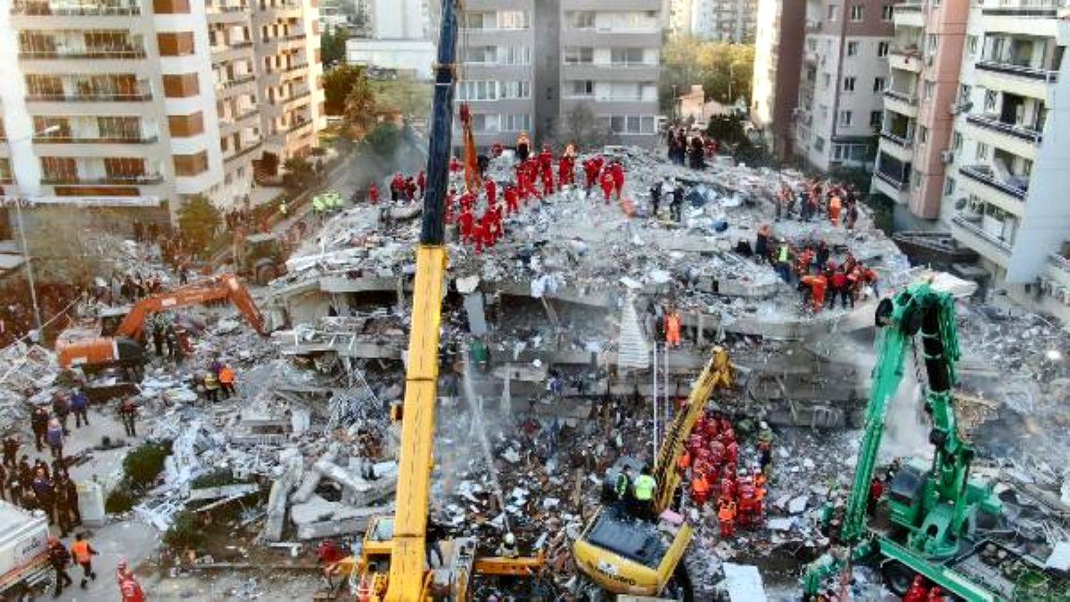 İzmir depreminde gözler Rıza Bey Apartmanı'nda: 43 kişi enkaz altında