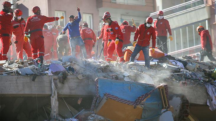 İzmir depreminde hayatını kaybedenlerin sayısı 102'e yükseldi