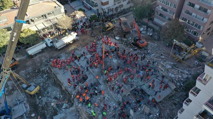 İzmir depreminde yaşamını yitirenlerin sayısı 115'e yükseldi