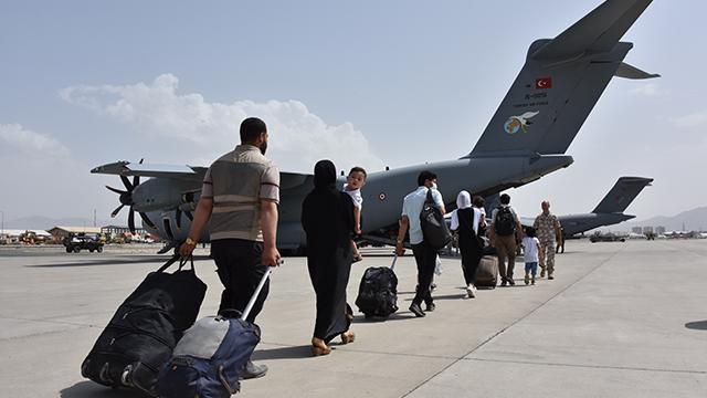 Kabil'deki 229 Türk vatandaşı daha tahliye edildi