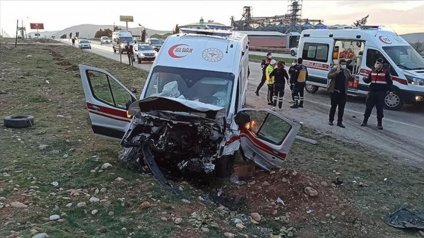 Kahramanmaraş'ta trafik kazası: 3 ölü, 3 yaralı