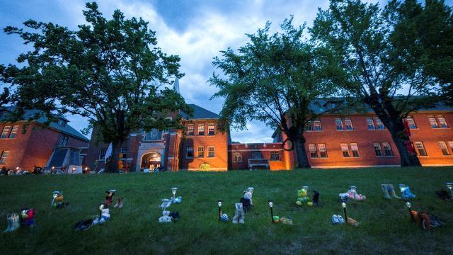 Kanada'da 160 isimsiz çocuk mezarı daha bulundu