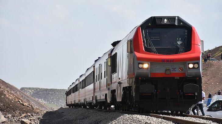 Kars Lojistik Merkezi ilk iş trenini ağırladı